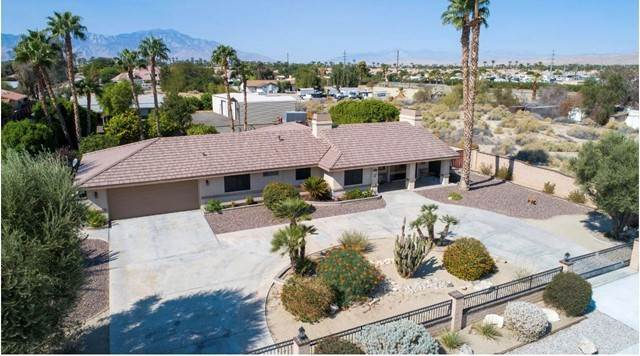 4. Single Family Homes for Sale at 38175 Rancho Los Cerritos Drive Indio, California 92203 United States