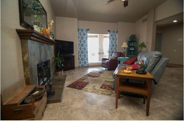 9. Single Family Homes for Sale at 38175 Rancho Los Cerritos Drive Indio, California 92203 United States